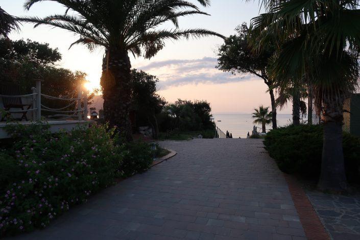 Wohnmobil Stellplatz Bericht Elba - La Perla Zugang zum Meer